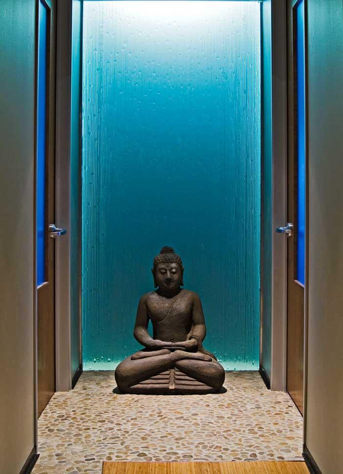 zen-restroom-foyer
